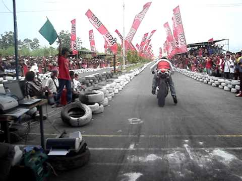 Ducati 848 vs Yamaha mio 300cc bore up in 300 m track