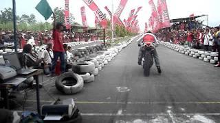 Ducati 848 vs Yamaha mio 300cc bore up in 300 m track