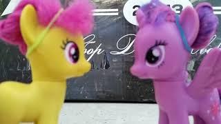 Смотреть сериал Сериал про пони :Лунастры 2 сезон 5 серия часть 2 новый астр онлайн