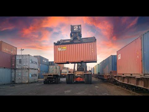 Pakistan Railways container cargo train service   freight train   پاکستان