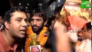 Uncut Visuals Of Bajrang Punia's Grand Welcome At The Airport | Sports Tak