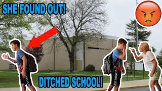 Video SKIPPING THE FIRST DAY OF SCHOOL! *CAUGHT* download MP3, 3GP, MP4, WEBM, AVI, FLV Oktober 2018