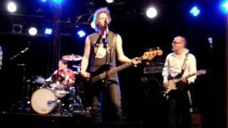 Loose Prick - Kaupunki peittyy taas pimeään - live Tampere 2009