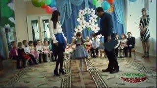 Песня У дочки папины глаза в исполнении семьи Звонарёвых