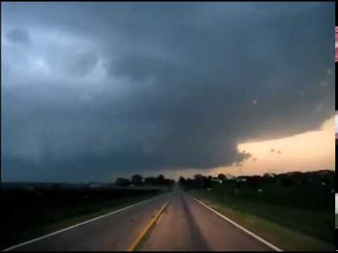 LaSalle, IL mesocyclone, lightning barrage, and tornado sirens (6/22/16)