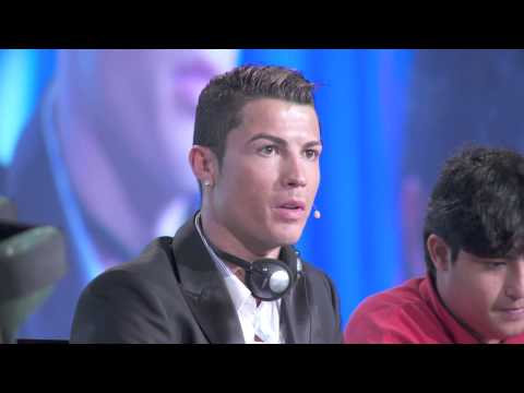 Globe Soccer Awards 2013 - Fans Best World Player Award (Cristiano Ronaldo)