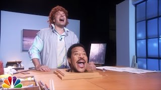 "Jimmy Fallon Sings ""Hello"" with Lionel Richie"