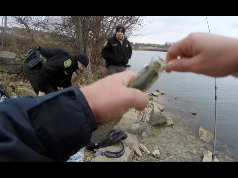 A Visit From The Police While Crappie Fishing