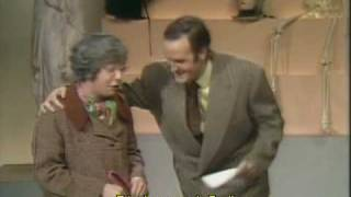 John Cleese - How to irritate People - Concurso [Legendado]