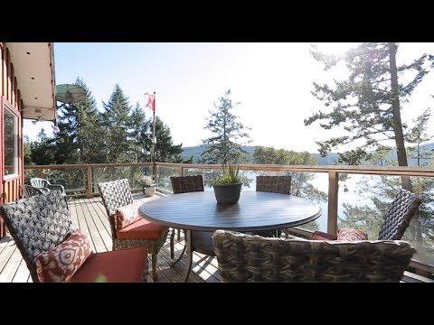 Oceanside cottage for sale on Mayne Island BC, 691 Gallagher Bay Road