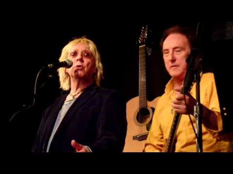 Denny Laine Bluebird/Mrs. Vandebilt/Let Me Roll It - Band On The Run Live 2016
