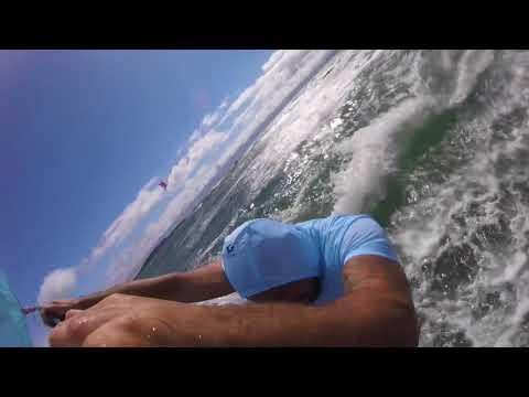 Vidéo d'une session enflammée de windsurf sur l'Almanarre.