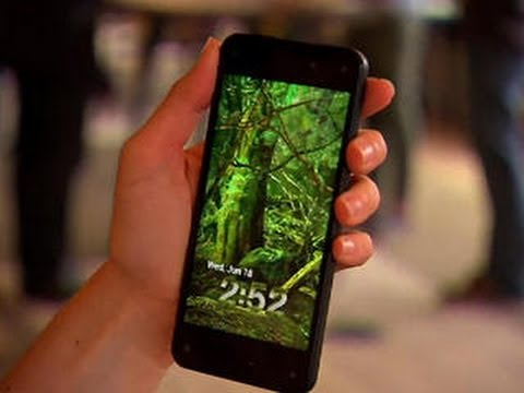 """Amazon's new """"3D"""" Fire Phone turns heads"""
