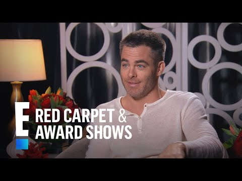 """Chris Pine Talks Nearly Nude Scene in """"Wonder Woman"""" 