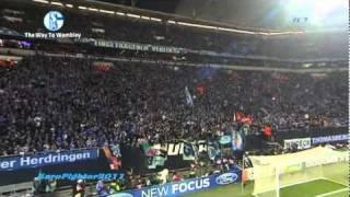 Raúl feiert mit Fans auf Tribüne (Schalke 04 - Inter Mailand)