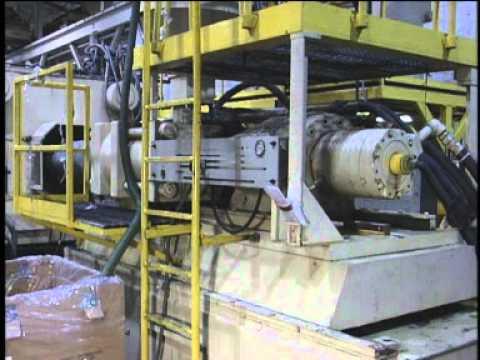 Injection Molding Operator Training - YouTube