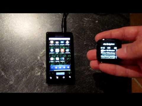 LiveView, das Mini Handy-Display für das Handgelenk.