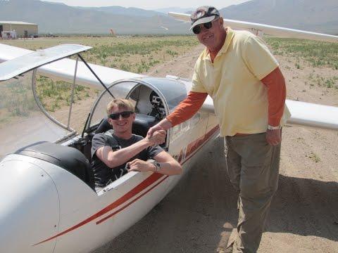 Max Hoffman's Initial Glider Solo at Air Sailing