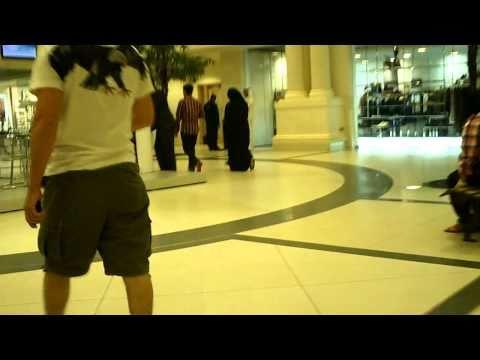 fun in marina mall!!!!!