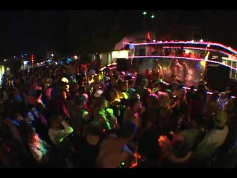 Santa Cruz Decom 2009 - Dancetronauts - Strip Ship