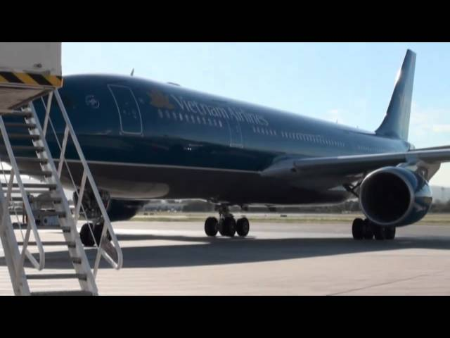 Vietnam Airlines Visits Adelaide 2010 (Full)