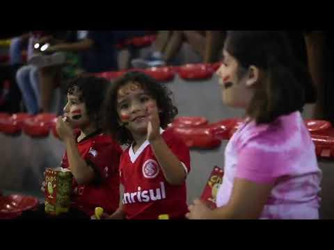 Documentário conta a história de Amandinha, brasileira eleita cinco vezes a melhor jogadora de futsal do planeta