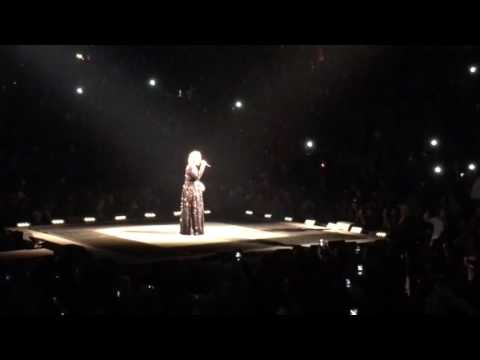 Adele live at the Verizon Center, October 11, 2016