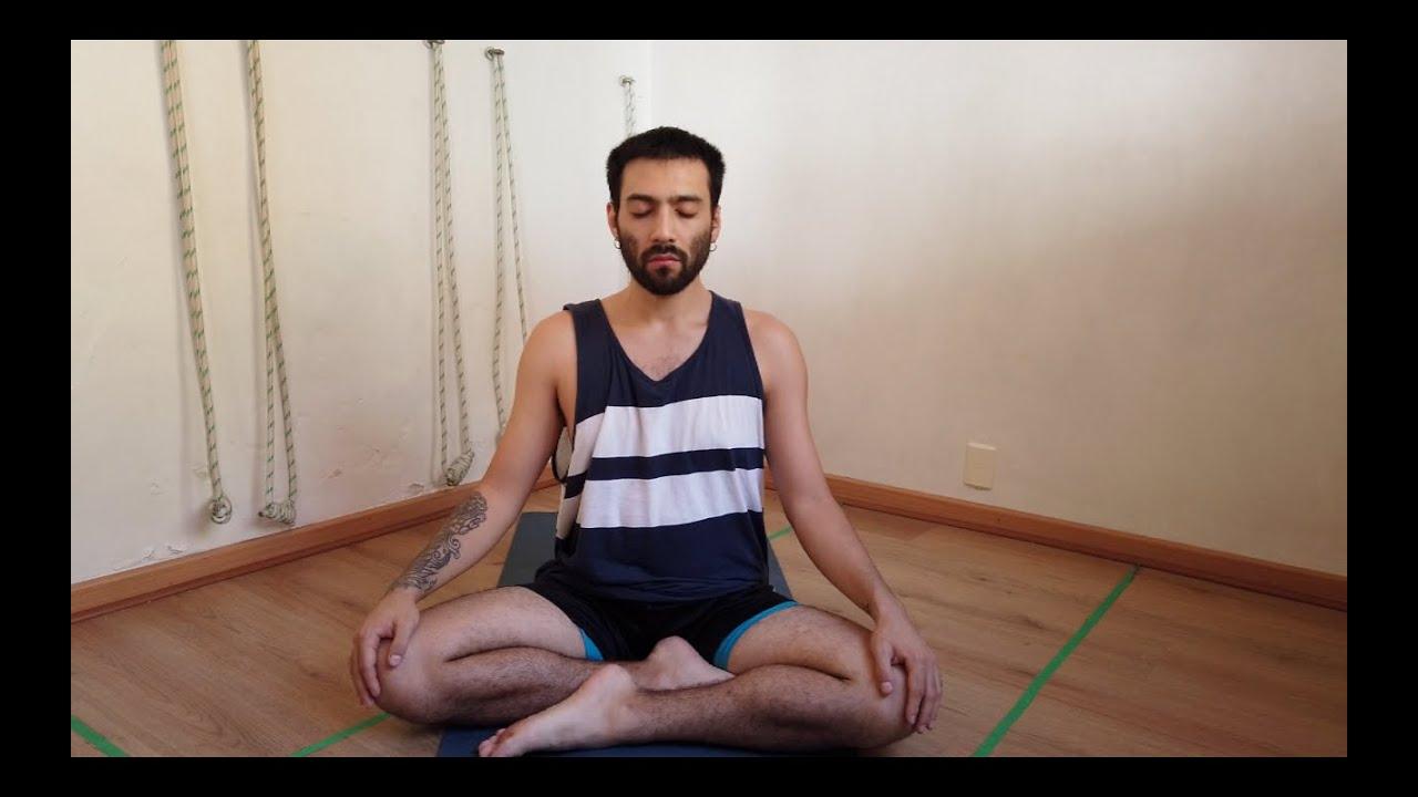 Clase 1. Repiración ujjayi, asanas fluidas, relajación final