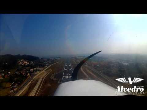 Aterrizaje en Alvedro con la nueva pista abierta