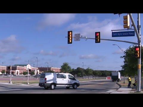 New traffic signal unveiled near Brandeis High School
