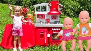 Кукла Беби бон и Детская кухня. Новые игрушки. Готовим для кукол пупсиков. Video for kids  dolls(Беби Бон, пупсик и их питомцы на пикнике. Готовим на новой детской кухне пиццу и кексы. Много фруктов и овоще..., 2016-07-24T05:28:59.000Z)