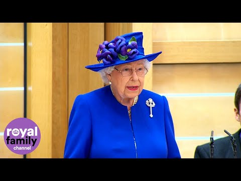 queen-celebrates-20th-anniversary-of-scottish-parliament