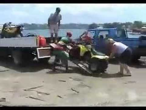 MAD Vanuatu - Loading the Ship