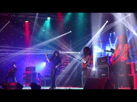 ฤดูที่ฉันเหงา - BAD DNA live at Sweatrock and Friend Charity Concert 2013