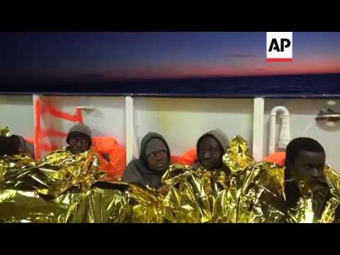 1,000 migrants rescued in central Med
