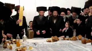 Lutzk 'Rebbe' In Williamsburg - Teves 5772