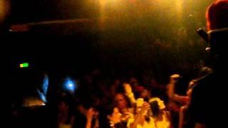 KEIZER, GIO, R ROOTS, DJ DARKSHOT   HOE ZE LOOPT LIVE AT J&M DRACHTEN