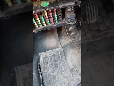 Почему у Дэу Нексии не работают сразу магнитола,кнопка багажника и обогрев заднего стекла