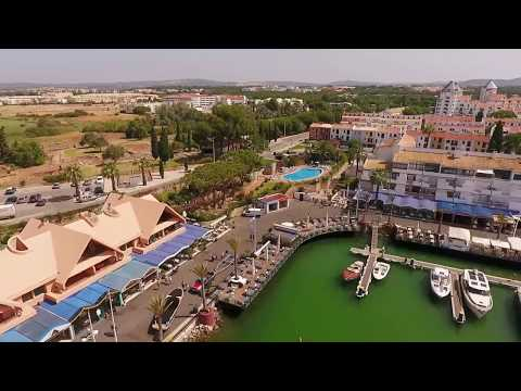 Luxurious apt terrace, garden, pool in Vilamoura's Marina, near the beaches of the Algarve, Portugal