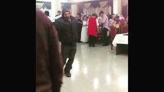 Пьяный охраник на свадьбе