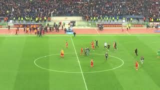 Roma Barcellona 3-0 tutto lo stadio Olimpico canta Grazie Roma 10/04/2018