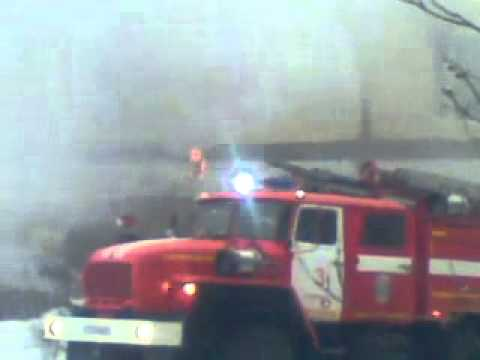 Мурманск. 23.04.2014 горит автосервис