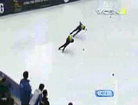 Apolo Ohno takes 1000 meter gold
