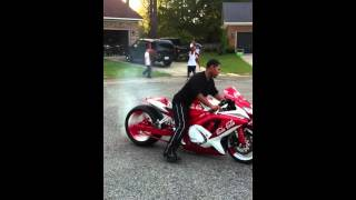 Gsxr Burnout on the Coca Cola Bike