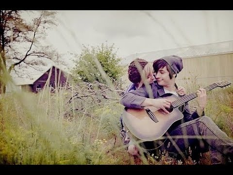 4 romantic acoustic guitar chords (beginner love song) - YouTube