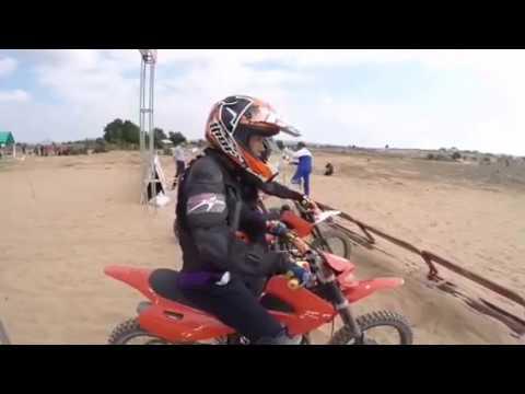 Đua xe mô tô trên cát tại Ninh Thuận