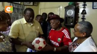 Uhuru visits ailing football legend Kadenge, drops him Ksh2m