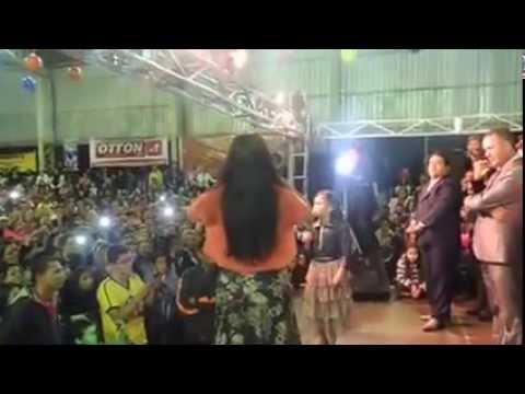 Menina de  09 anos que fez a cantora Damares chorar