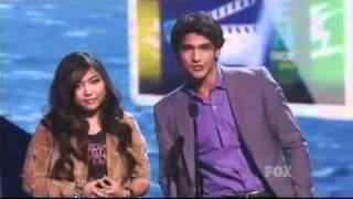 charice tyler posey presented demi lovato with acuvue inspire award teen choice awards 2011