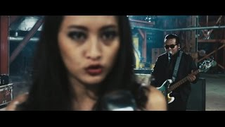 Video Endank Soekamti Ft. Naif - Benci Untuk Mencinta - Official Video download MP3, 3GP, MP4, WEBM, AVI, FLV Agustus 2017